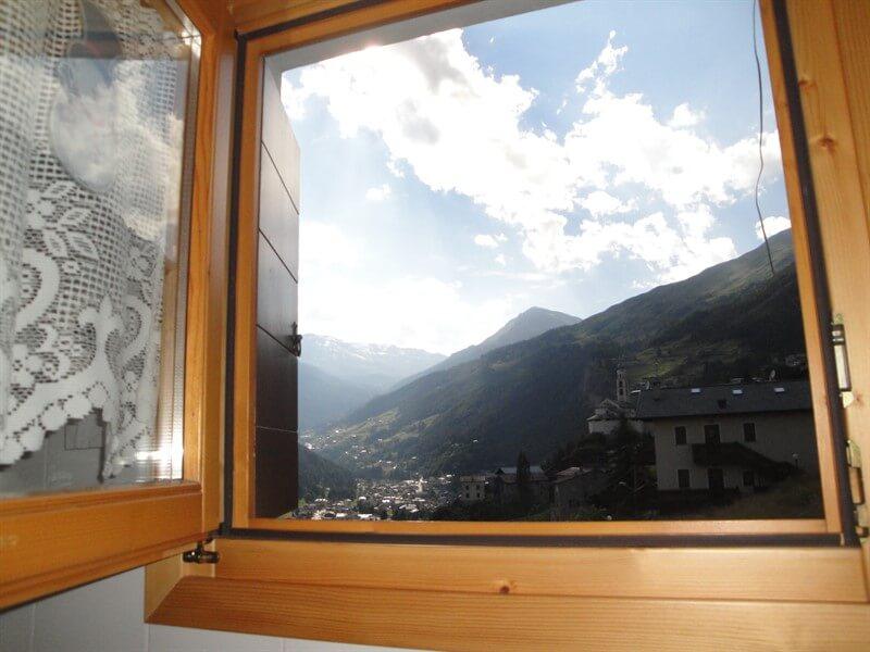 immobiliare Abita bilocale in vendita Valdidentro - vista a ovest