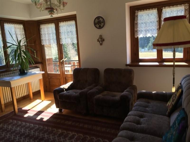 Casa indipendente in vendita Alta Valtellina- soggiorno luminoso esposizione sud est