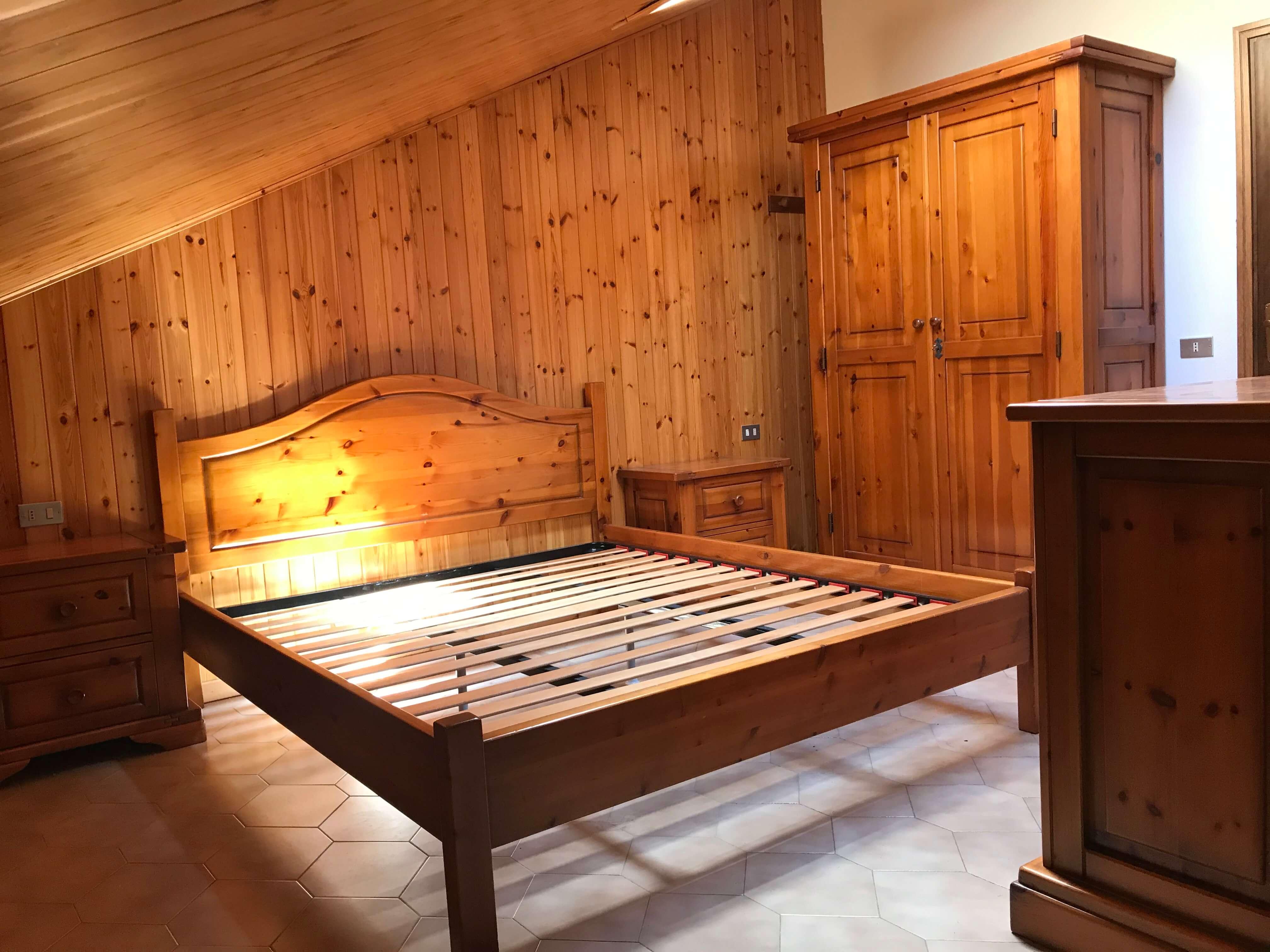 Immobiliare Abita mansarda bilocale in vendita -camera matrimoniale
